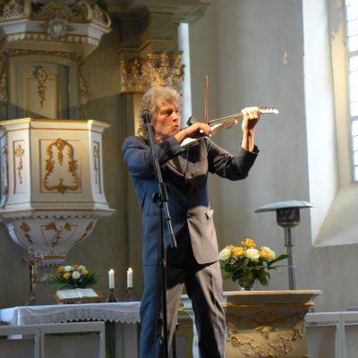 Edward Simoni mit Geige