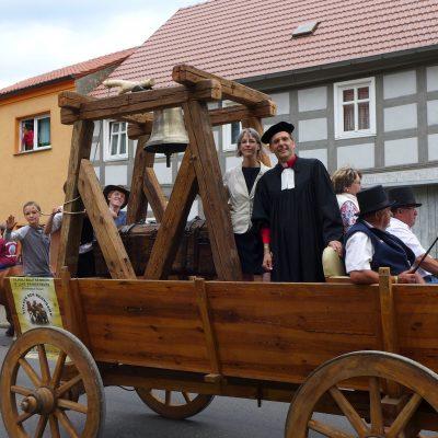 Glockenwagen mit über 800 Jahre alten Tetzelkasten