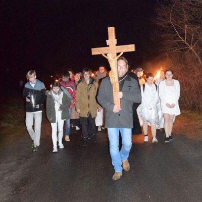 Ostrnacht 2018 - Mit Kreuz und Taufwasser