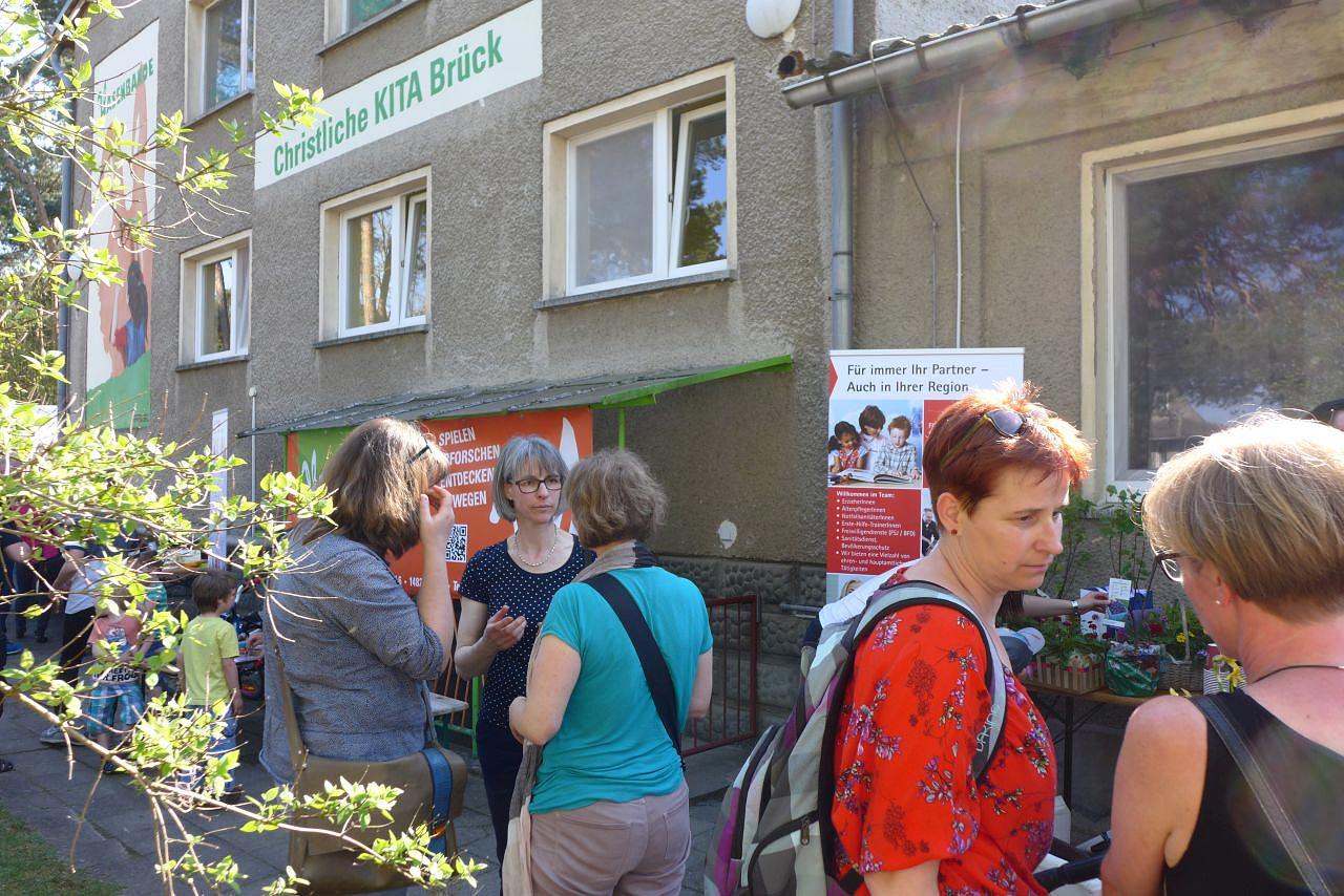 Schlüsselübergabe: Christliche Kita Hasenbande feierlich an die Johanniter übergeben