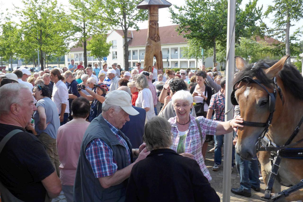 Titanen on tour - Friedensglocke unterwegs nach Weliki Nowgorod