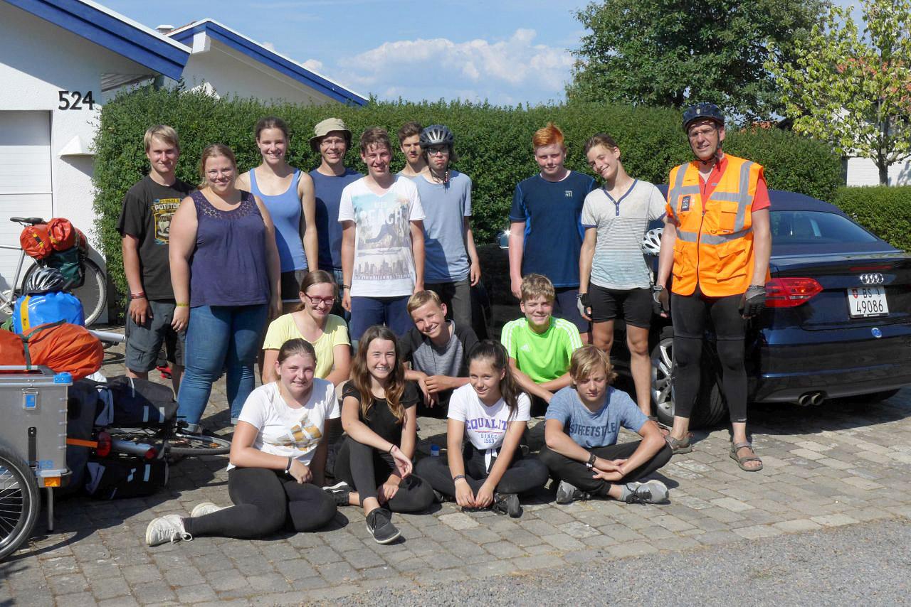 Schweden-Fahrradfahrt 2018 - Schwedenmannschaft vor dem letzten Berg