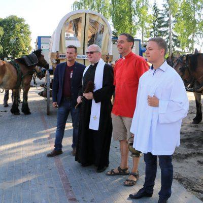Pfarrer Kautz mit Priester und Pferden - Titanen on tour 2018