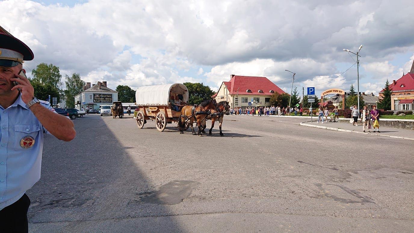 Ordnungskräfte helfen wo sie können - Titanen on tour in Kaliningrad