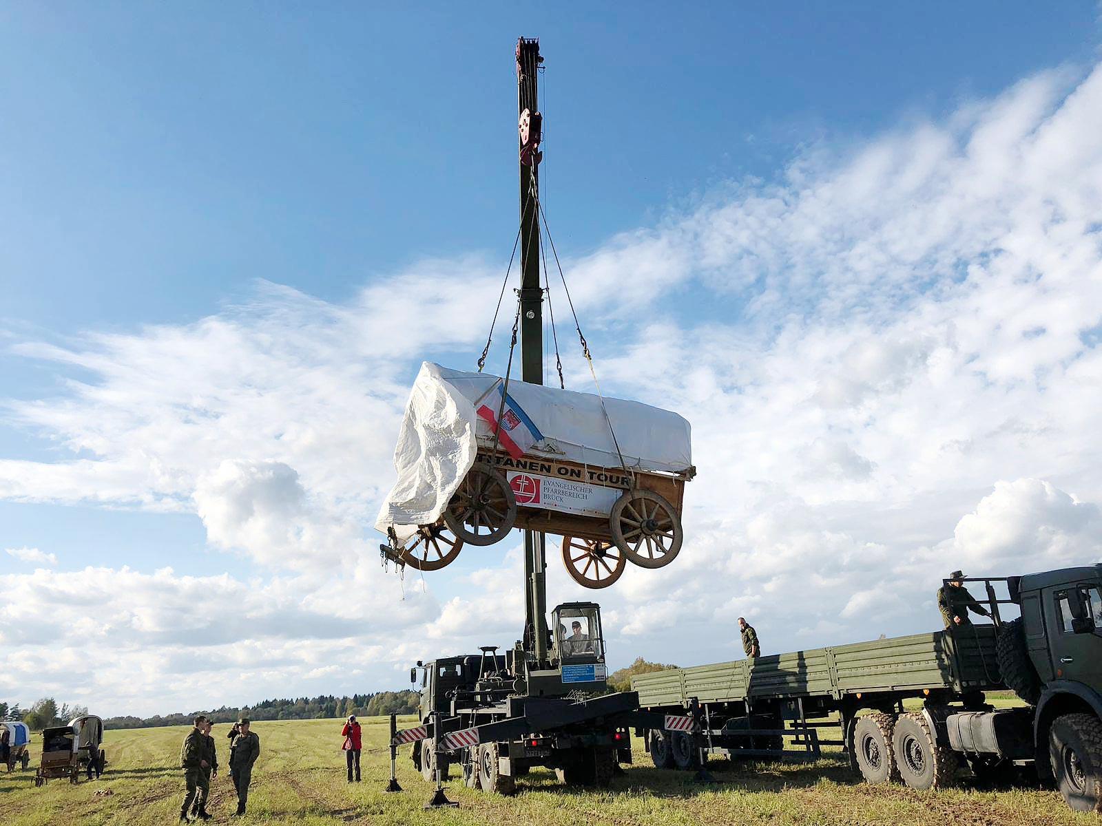 Der Glockenwagen in russischer Hand - Titanen on tour in Russland