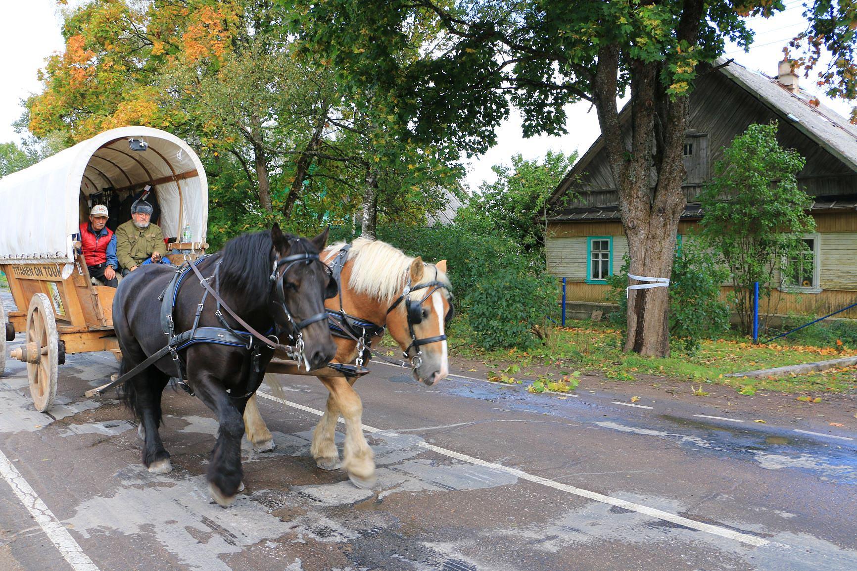 Immer weiter zieht der Zug der Titanen bis nach Nowgorod - Titanen on tour in Russland