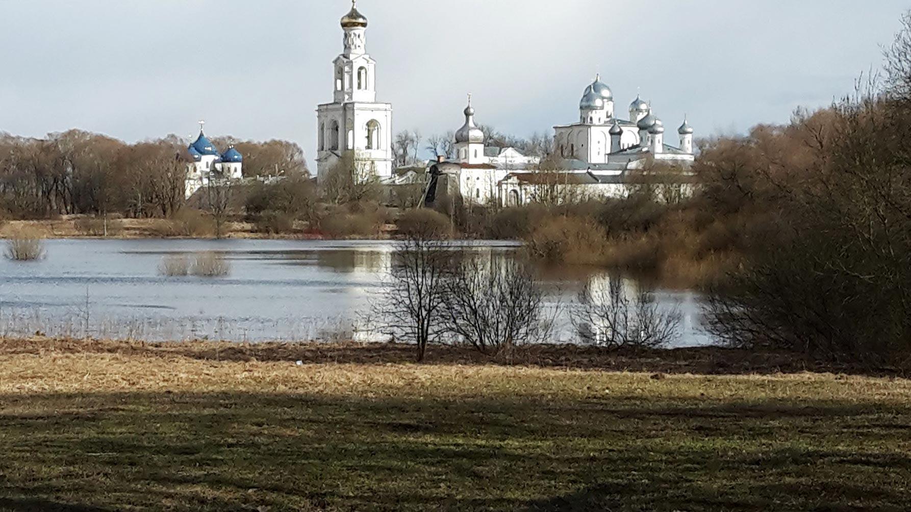 Kloster von Nowgorod - Titanen on tour in Russland