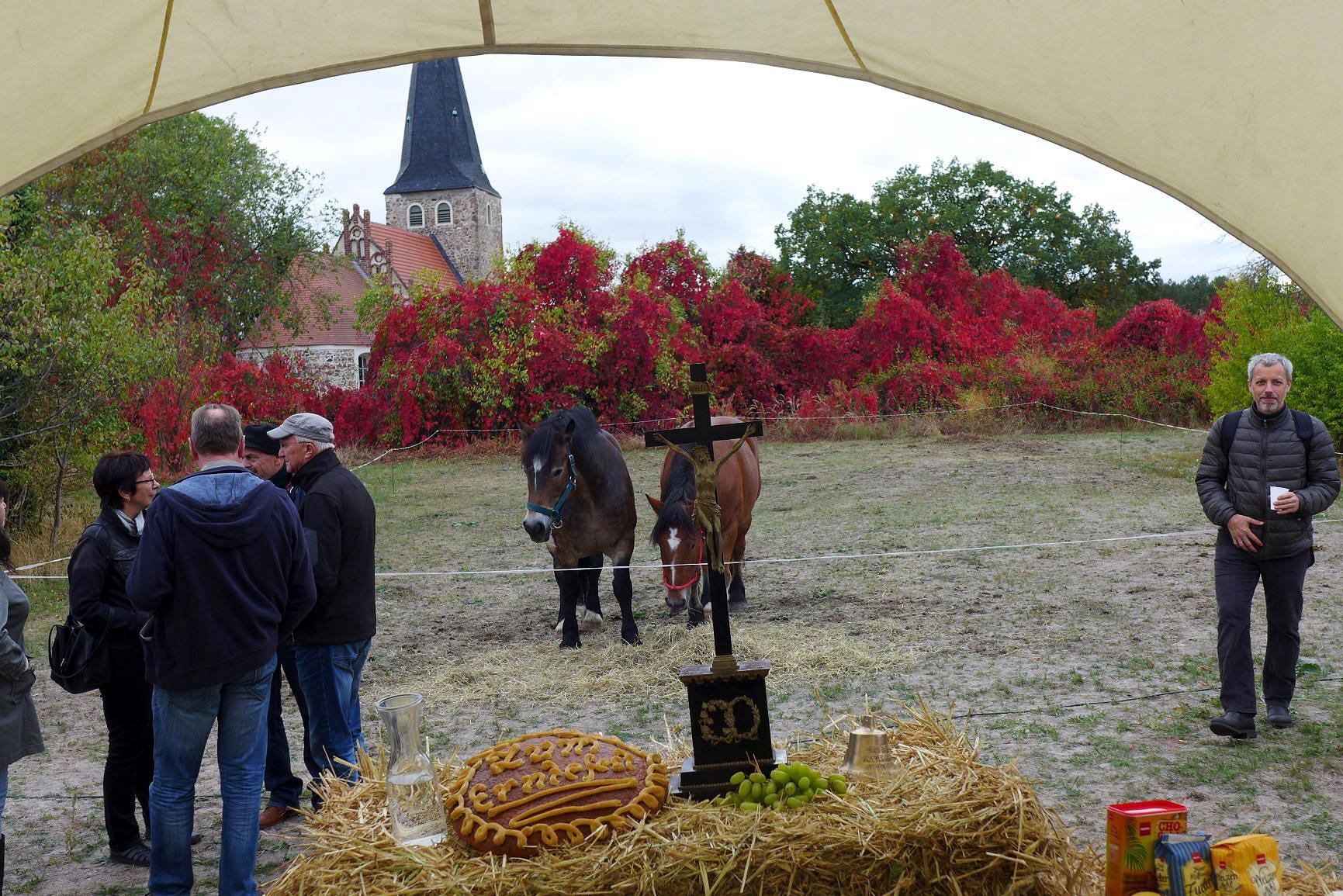 wunderschöne Landschaft, Menschen und Pferde - Gemeindefest 2018