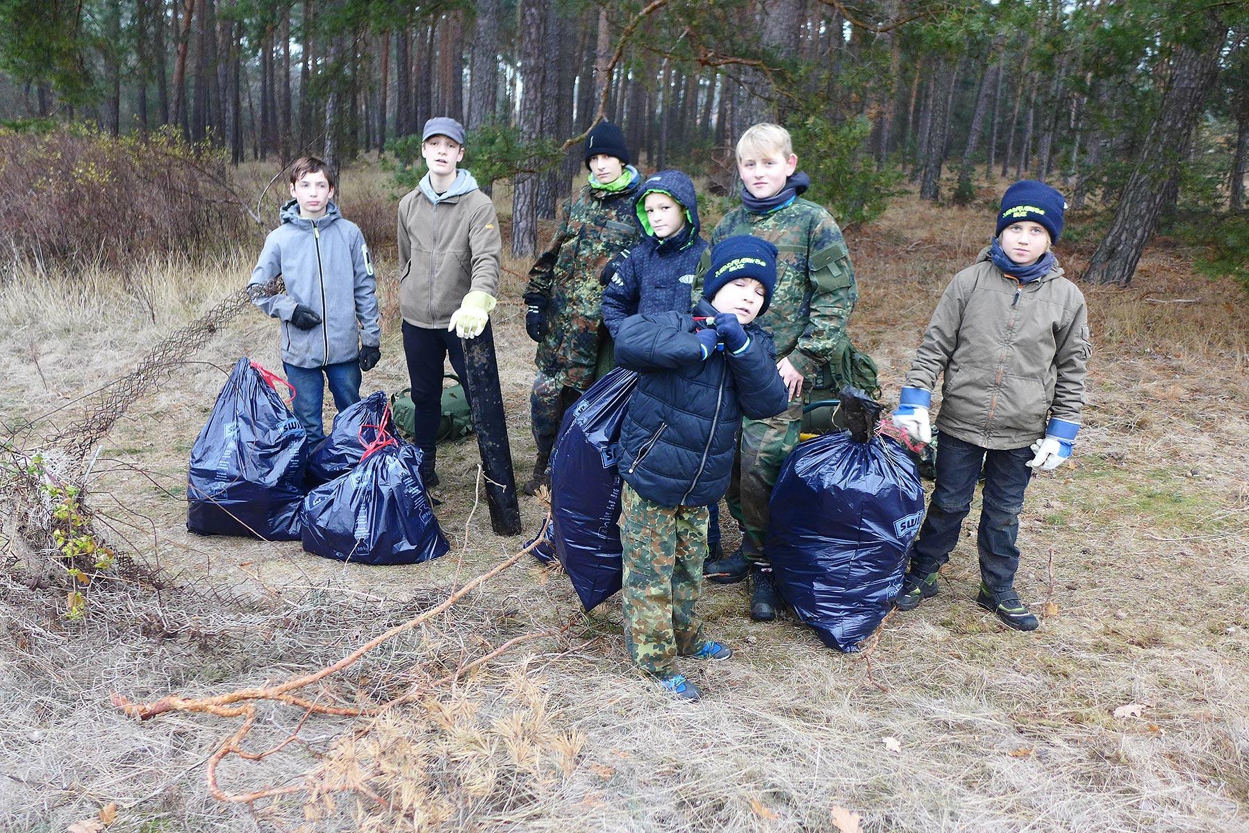 """Müll gesammelt - Pfadfinder """"Baooms"""""""