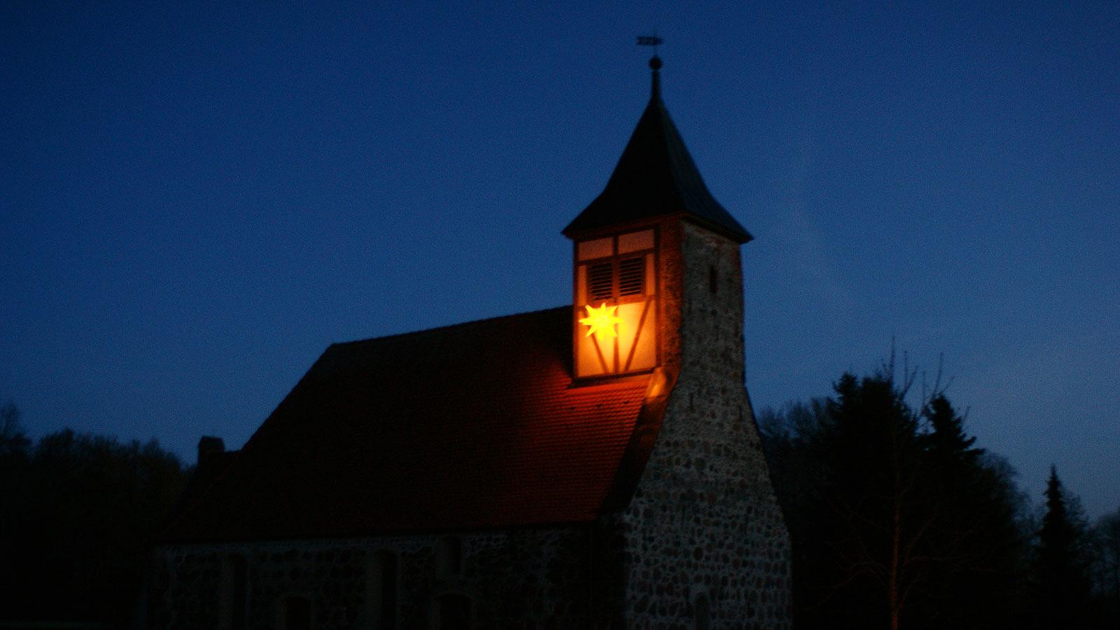 Adventsstern an der Gömnigker Kirche Dezember 2018