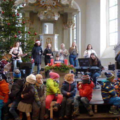 Kitakinder beim Weihnachtsmarktkonzert - Weihnachtskonzert in der Lambertuskirche 2018