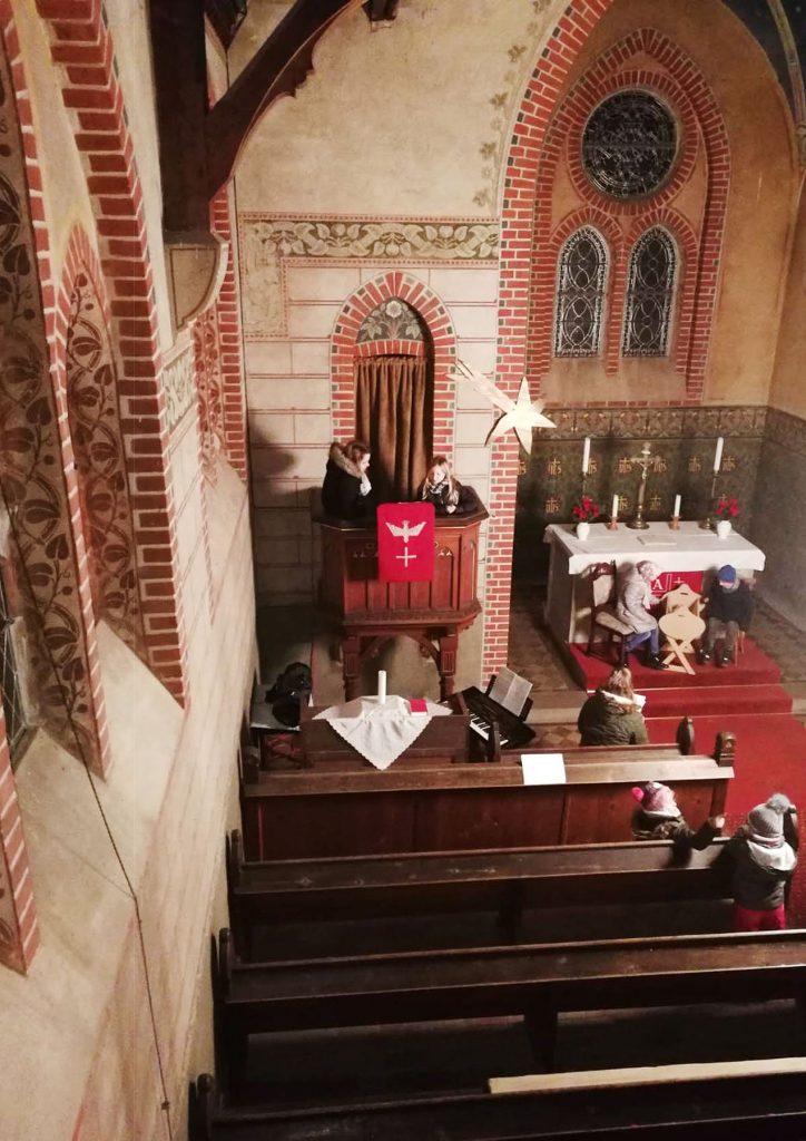 Probe für das Krippenspiel in Trebitz - Die Engel sind bereit für die Heilige Nacht