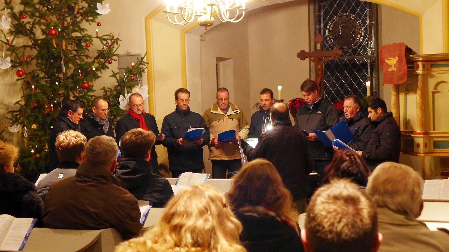 Trebitzer Männerchor Harmonia in der Gömnigker Christnacht - Weihnachten 2018
