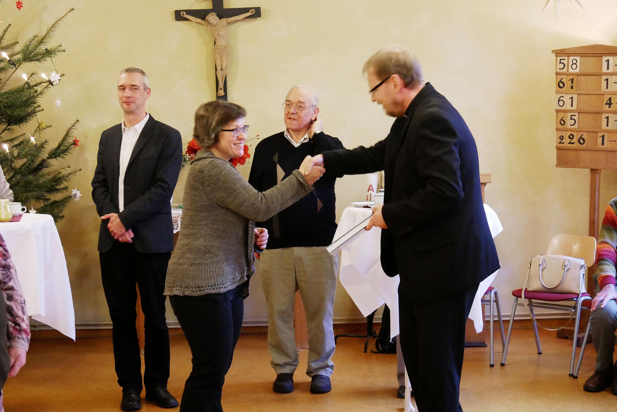 Pfarrerin Christiane Moldenhauer und Priester Burkhard Stegemann