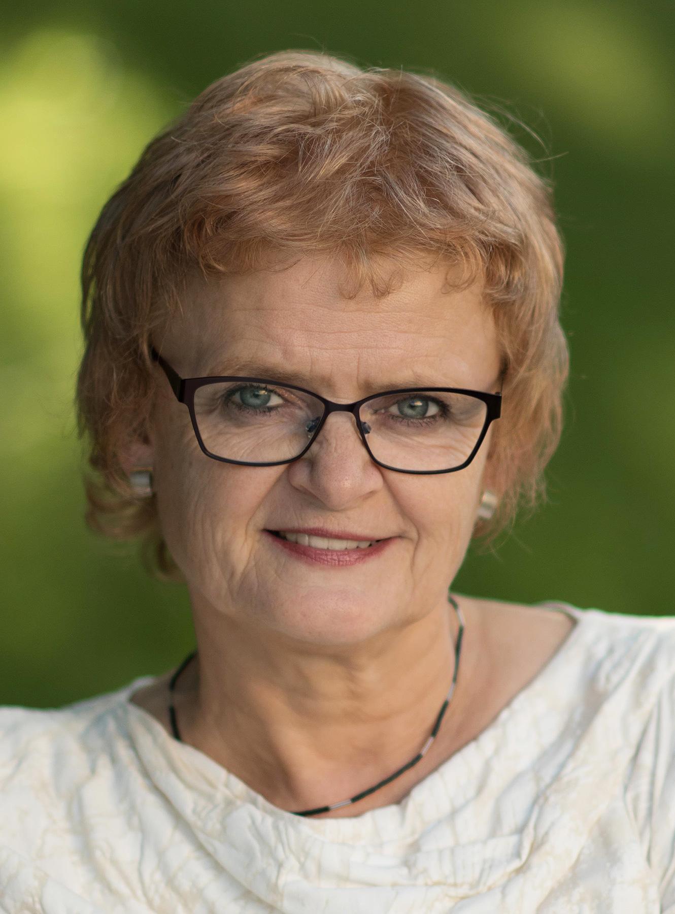 Dr. Maria Nooke