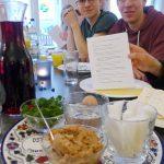 Sederteller mit Gregor und Johannes - Sedermahl in Brück