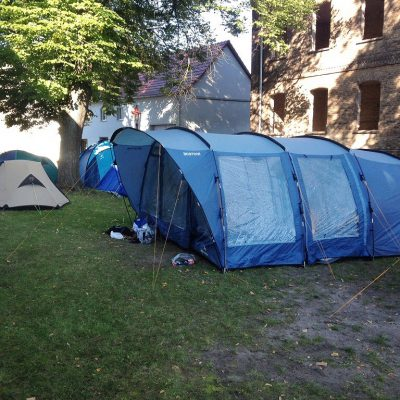 Übernachtungsaktion im Pfarrgarten Brück Rottstock