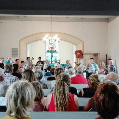 Anspruchsvoller Bläsermusik - Sächsische Posaunenmission in der Dorfkirche Gömnigk