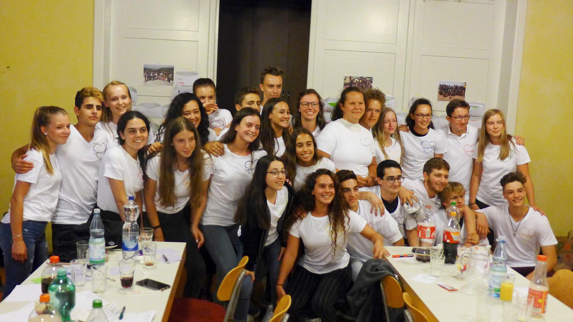 Abschiedsfoto der ganzen Gruppe - Jugendaustausch Le Chaim Israel-Belzig
