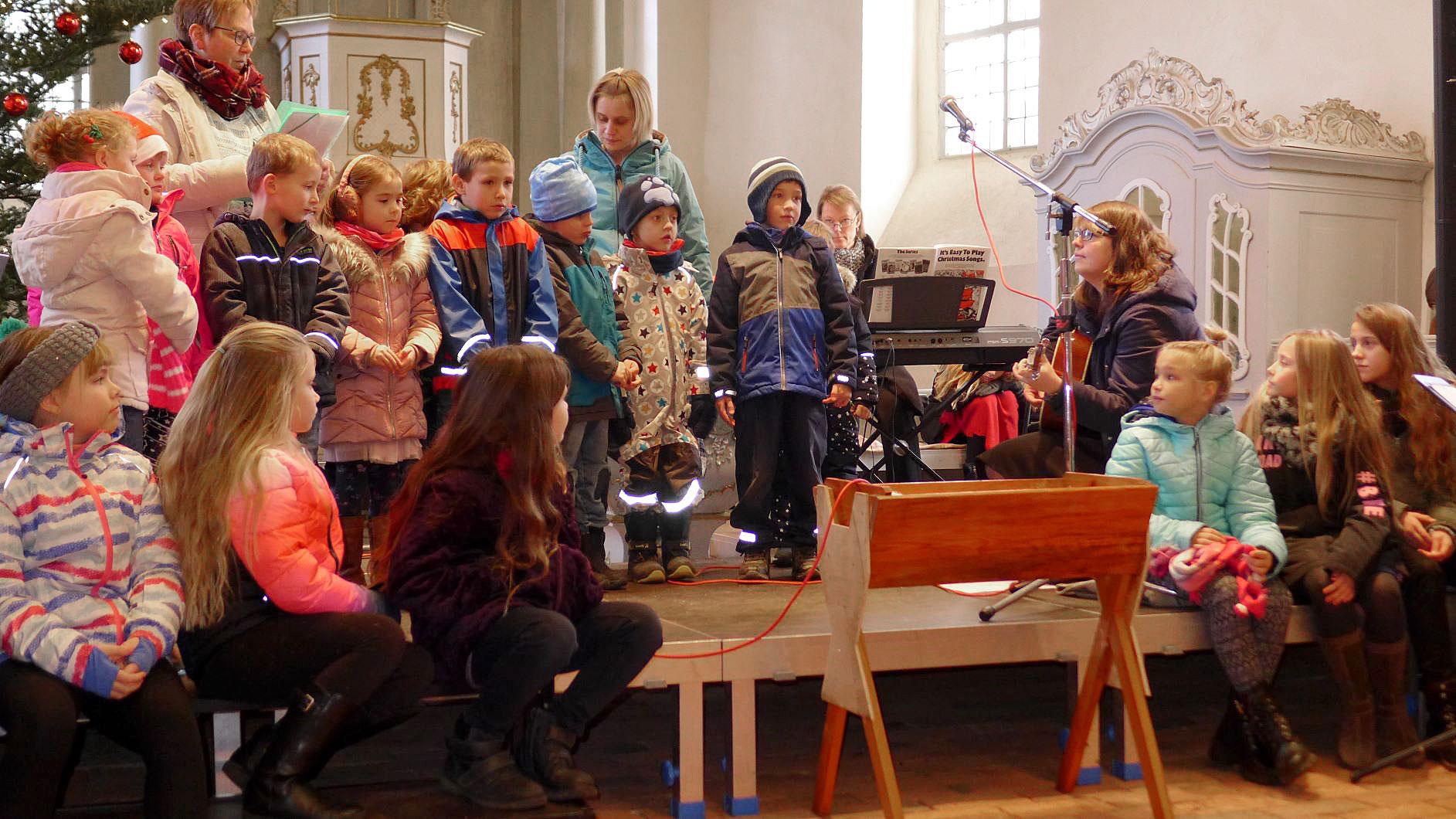Alle singen an der Krippe - Weihnachtskonzert in der Lambertuski