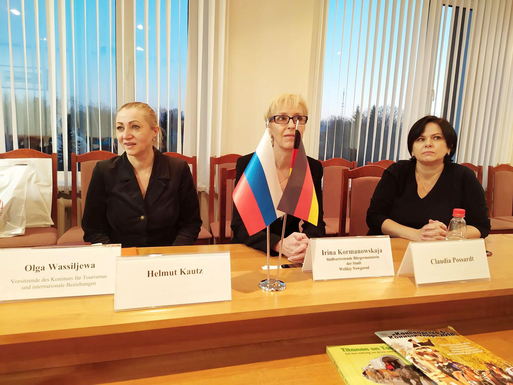 Volksdiplomatie in Nowgorod - Brücker Volksdiplomaten auf Mission