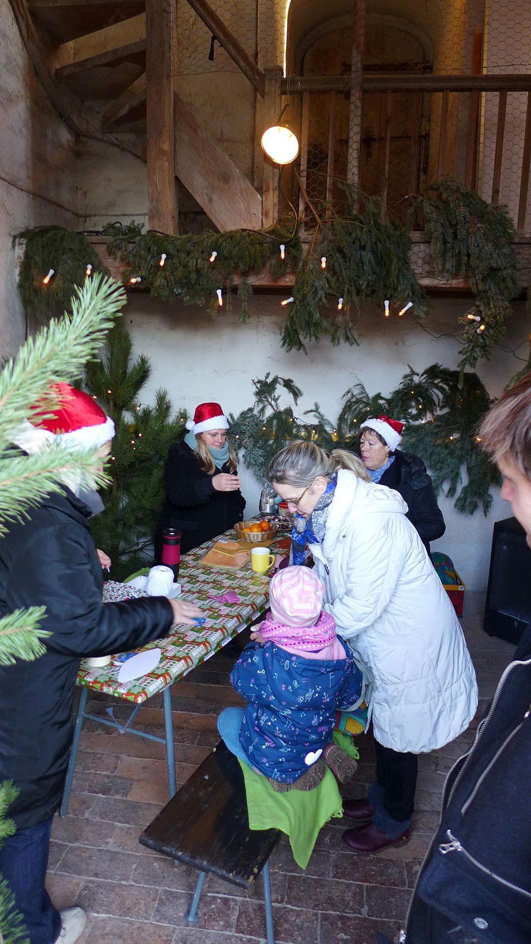 Basteln im Kirchturm - Weihnachtsmarkt Brück