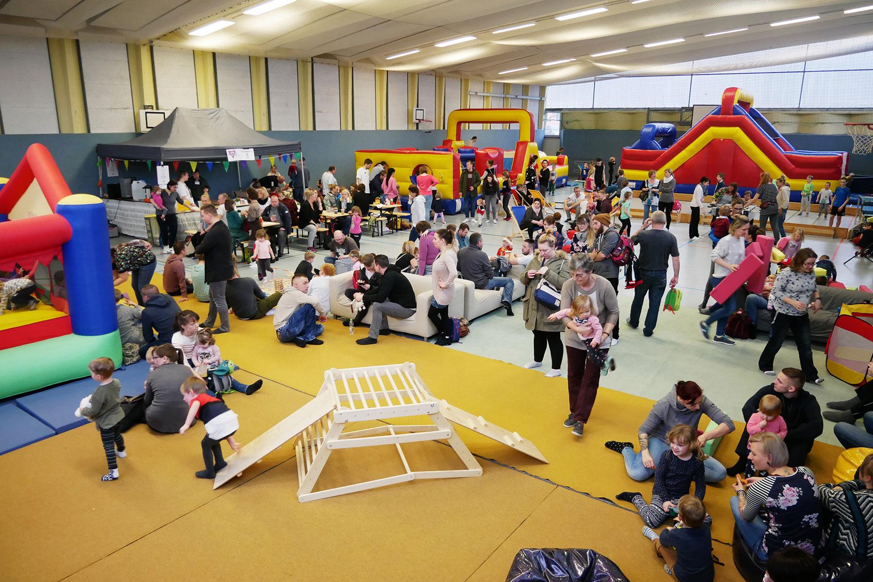 750 Besucher beim ersten Bad Belziger Familien-Indoorspielplatz
