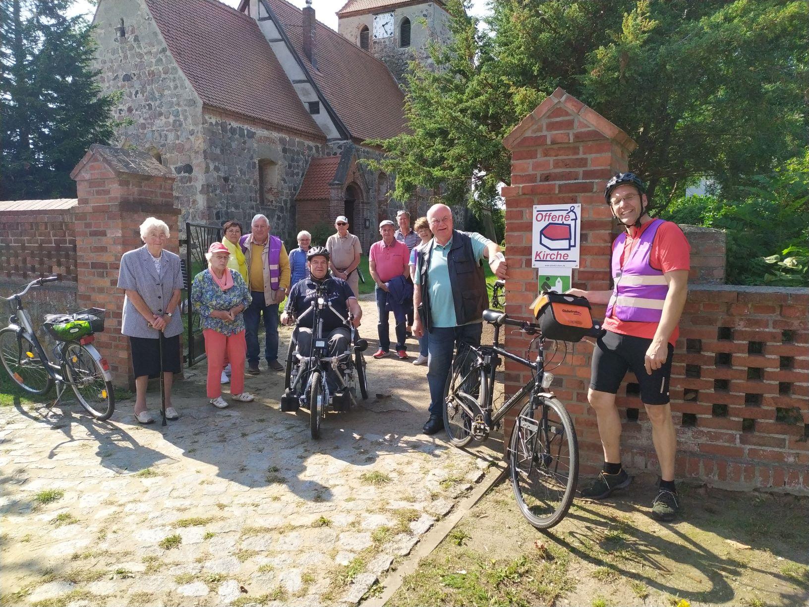 Kirche Boberow ist nun Fahrradkirche