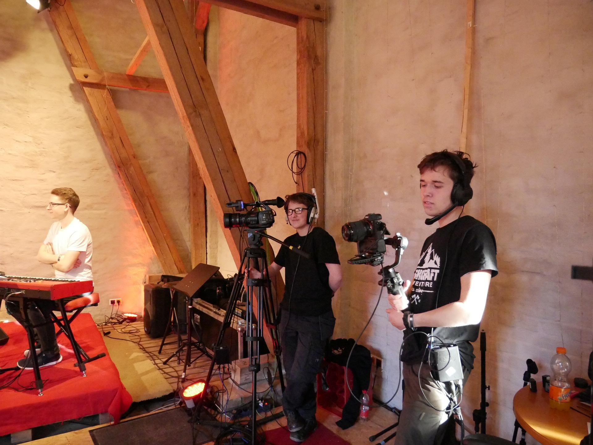 Leo Schäfer und Josua Klassen an den Kameras